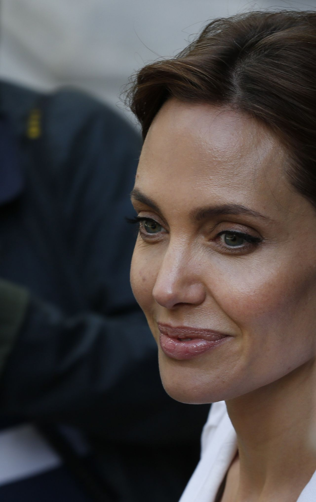 Angelina jolie global summit to end sexual violence in conflict