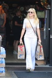Anna Faris Street Style - Out Grocery Shopping in LA - June 2014