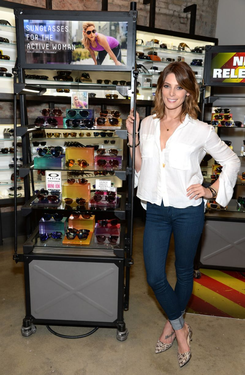 oakley sunglass store  ashley greene \u2013 meet & greet at oakley's fifth ave flagship store \u2013 june 2014