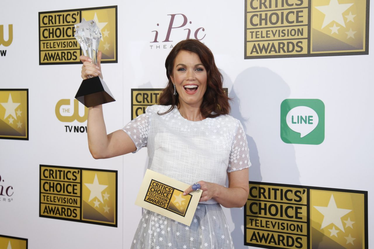 Bellamy young 2014 critics choice television awards in beverly