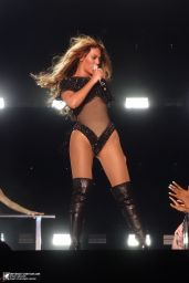 Beyonce Performs at Run Tour in Miami - June 2014