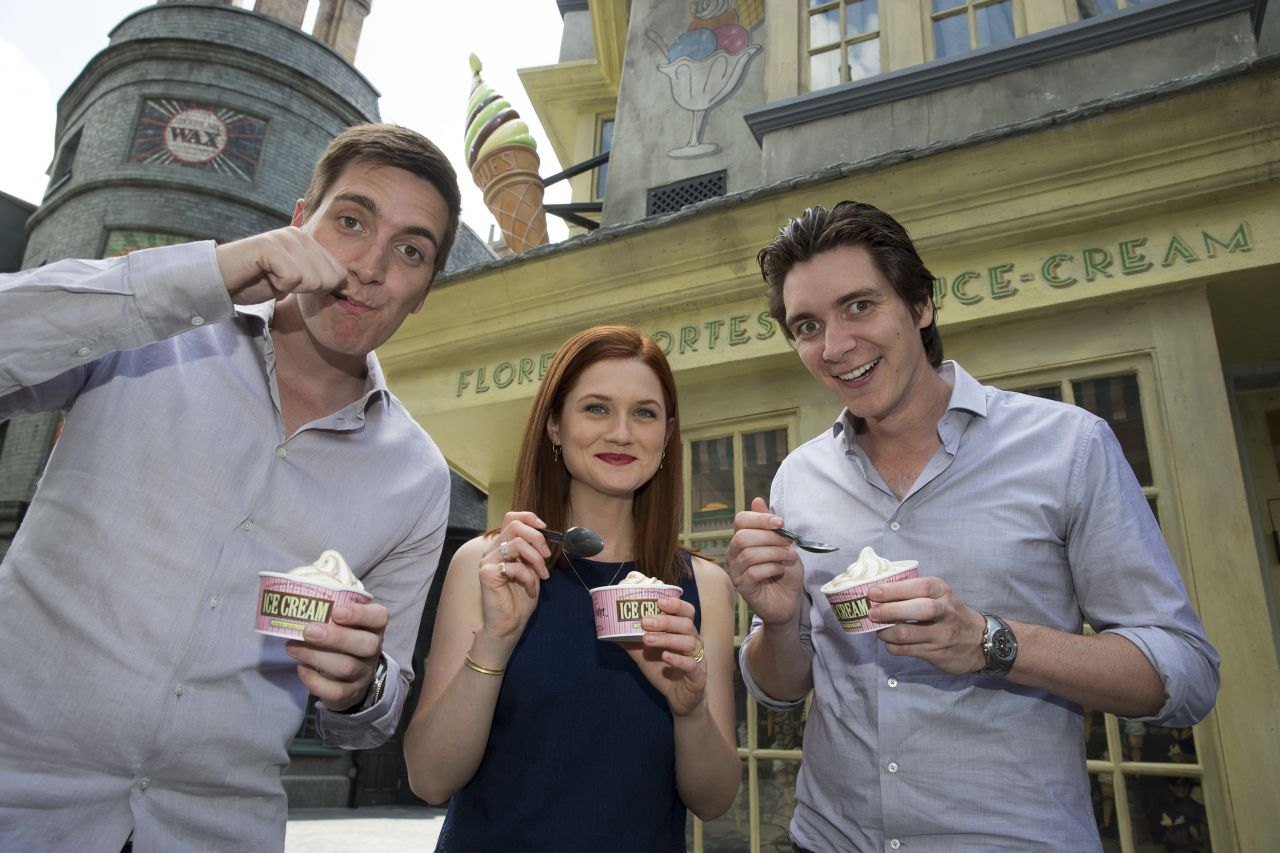 Bonnie Wright - Diagon Alley at Universal Studios Florida - June 2014