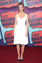 Brooklyn Decker in Jill Stuart Dress - 2014 CMT Music Awards in Nashville