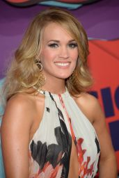Carrie Underwood in Roberto Cavalli Gown - 2014 CMT Music Awards in Nashville
