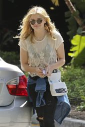 Chloe Grace Moretz Arriving at the Staples Center in LA - June 2014