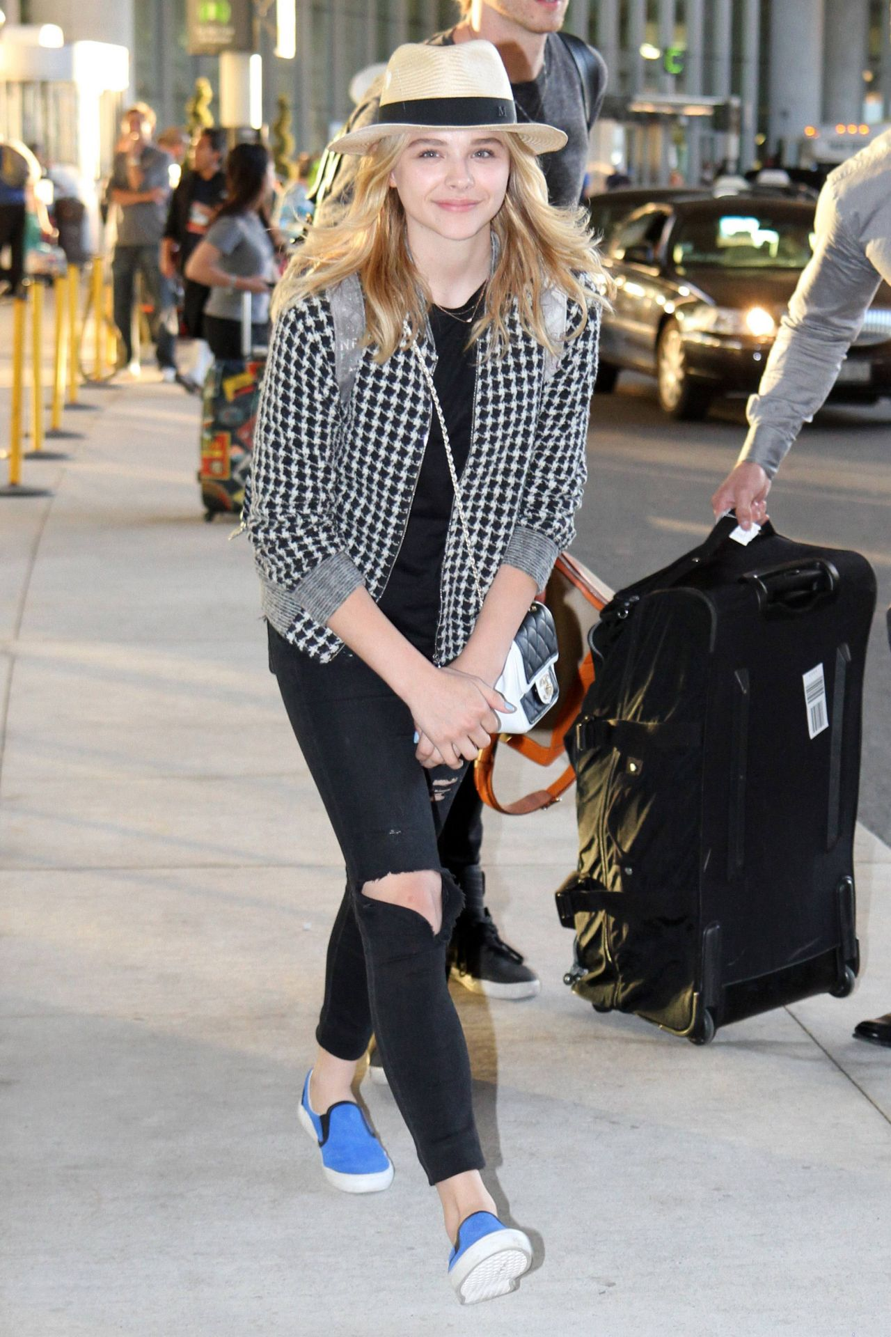 Chloe Moretz Arriving at Pearson International Airport in Toronto - June 2014