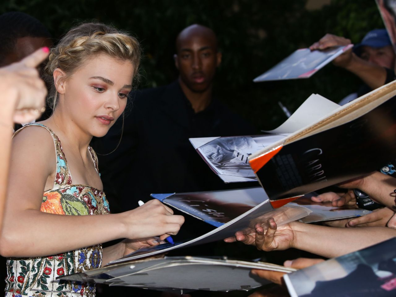 Chloe Moretz Meeting Fans in Los Angeles - June 2014