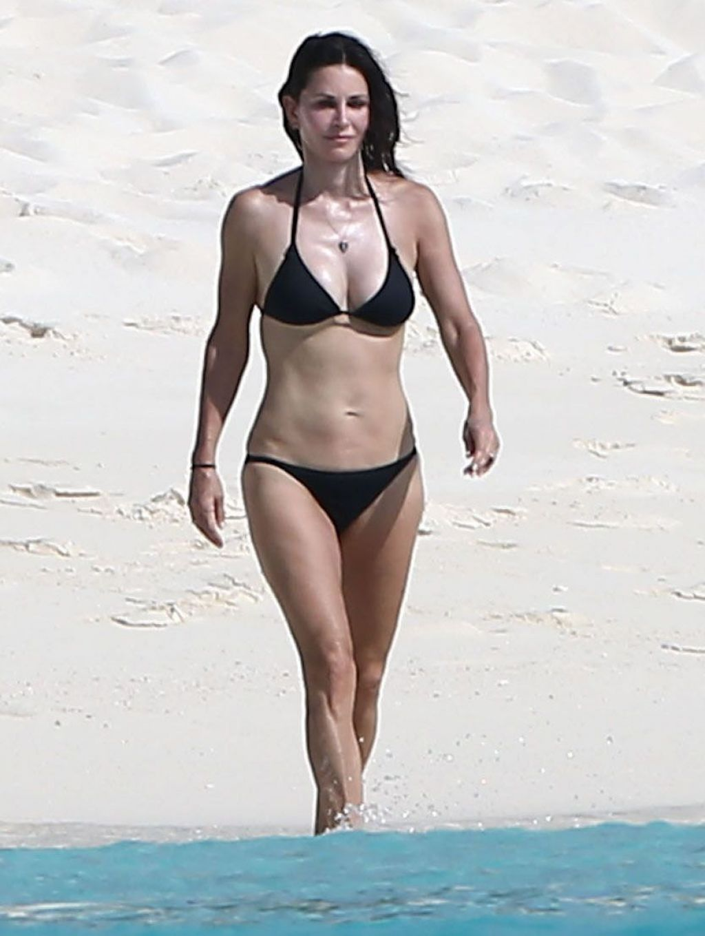 Santa Monica Mercedes >> Courteney Cox Wearing a Bikini on the Beach in Turks and Caicos - June 2014