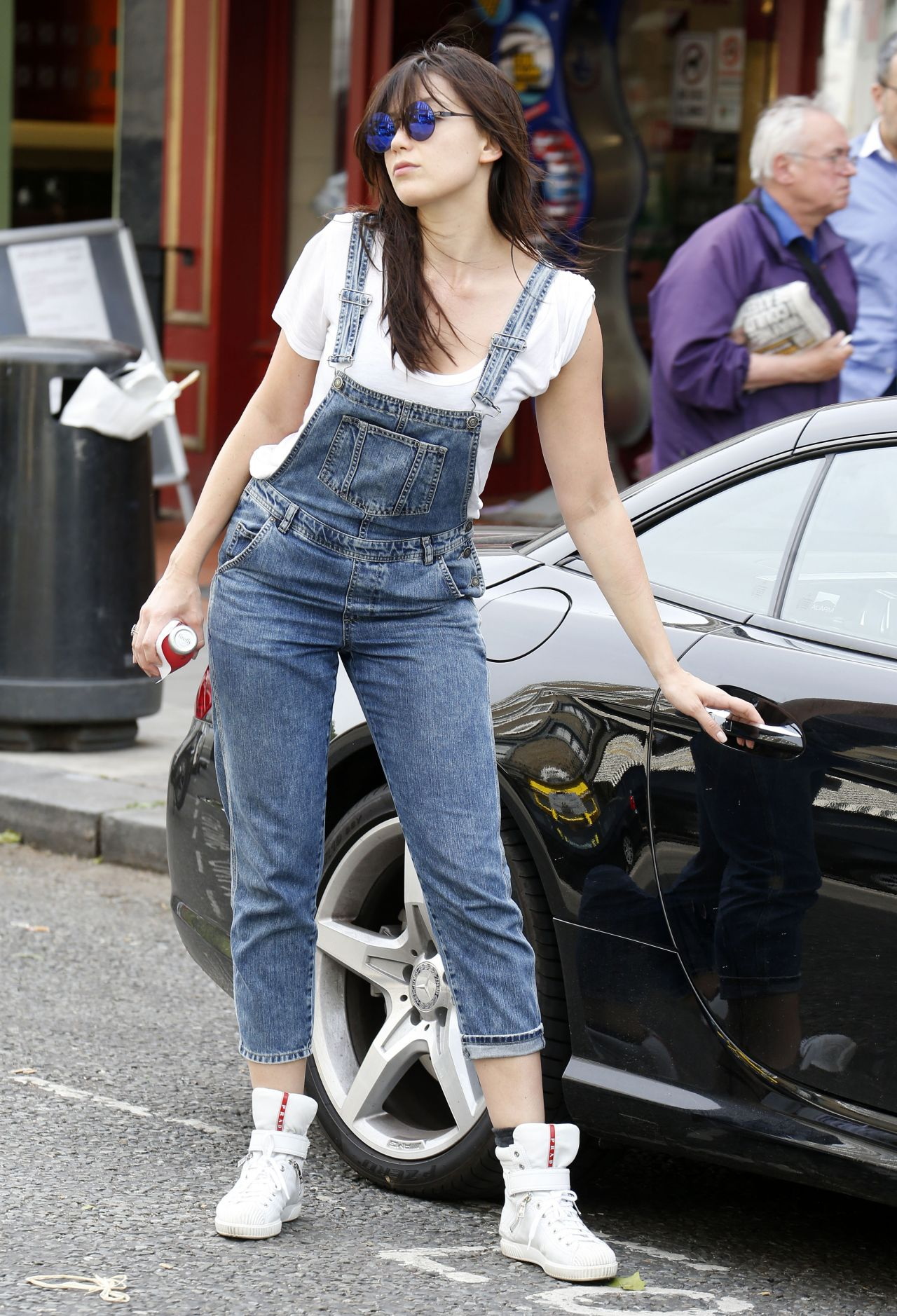 Daisy Lowe Street Style - Shopping in Primrose Hill - June 2014