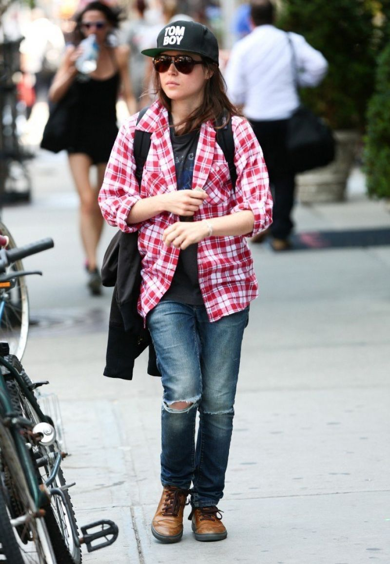 Ellen Page Street Style - Out in New York City - June 2014