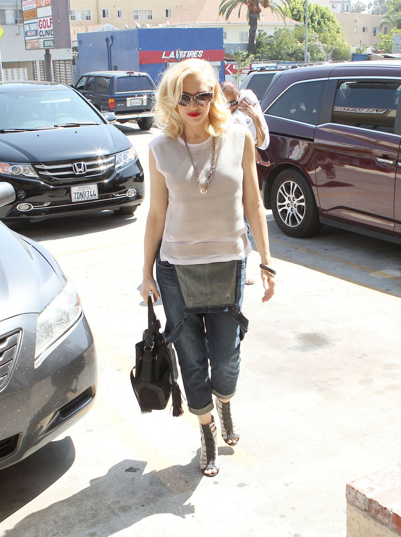 Gwen Stefani Street Style Out In Los Angeles May 2014