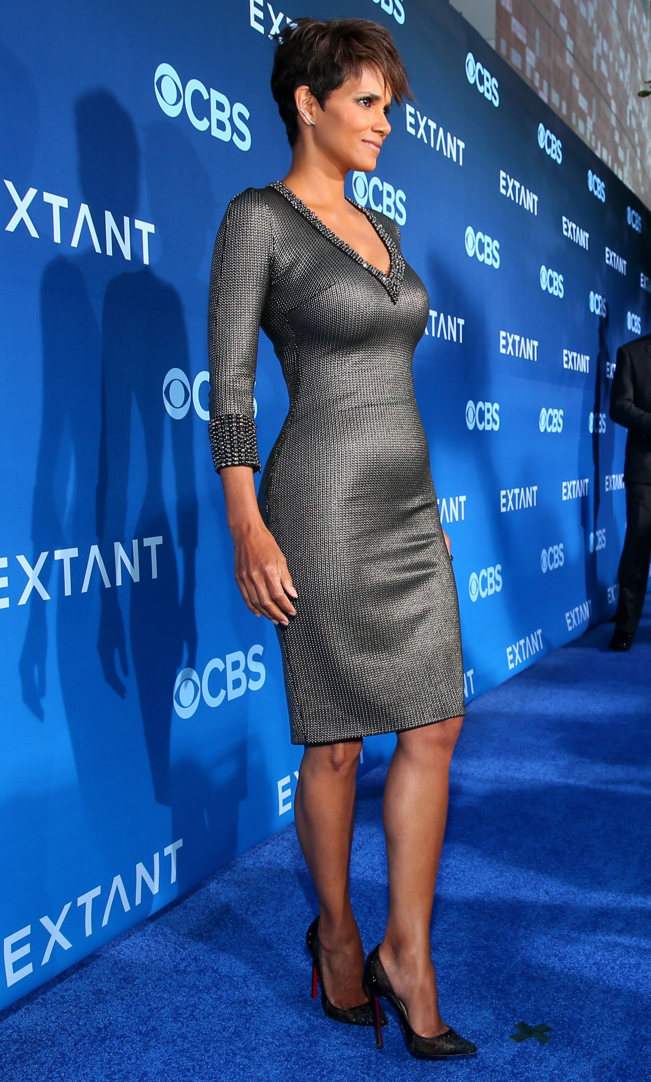 Halle Berry - Extant Premiere In Los Angeles-6530