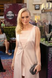 Hannah New – 'Maleficent' World Premiere in Los Angeles