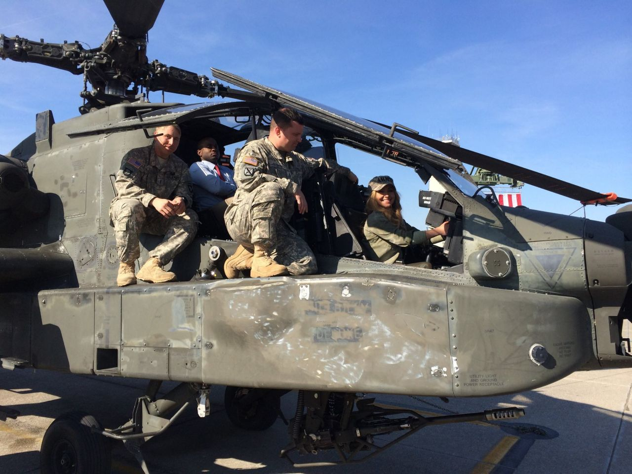 Hayden Panettiere in a Helicopter at Fort Campbell