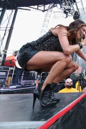 Jana Kramer Performs at Music City Gives Back - June 2014