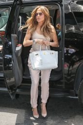 Jennifer Lopez Casual Style - Out in New York City - June 2014
