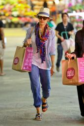 Jessica Alba Shopping at Whole Foods in Beverly Hills - June 2014