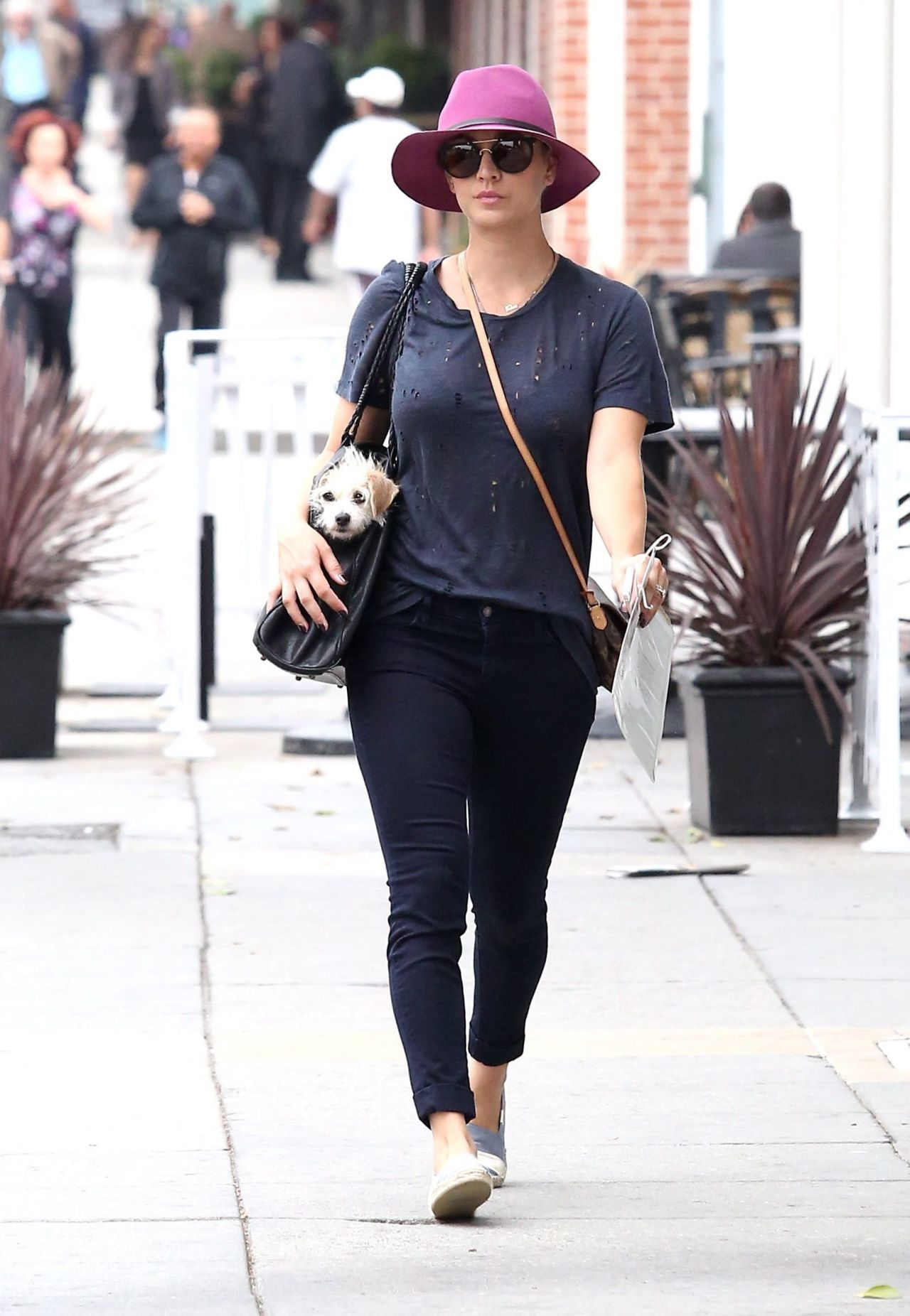Kaley Cuoco In Jeans Out In La June 2014