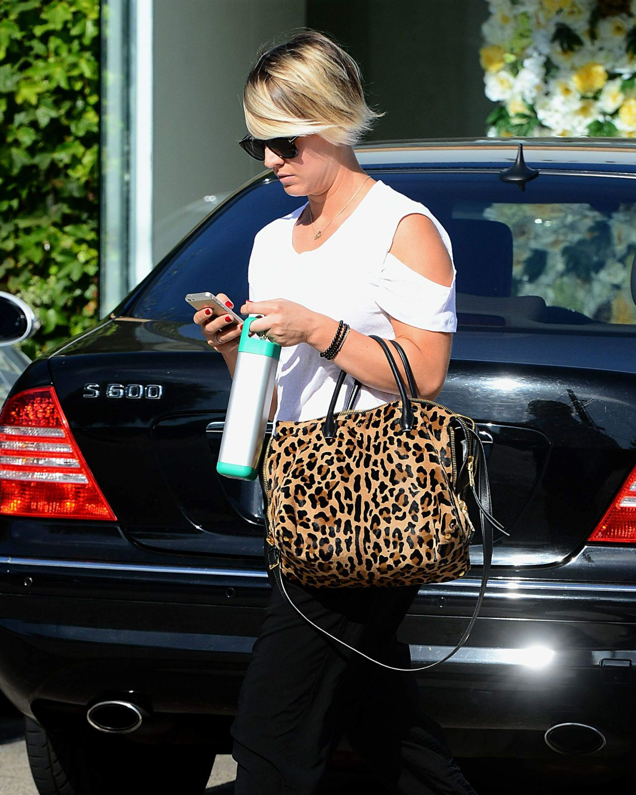 Kaley Cuoco New Hair Style - Leaves Andy Lecompte Salon in Los Angeles - June 2014