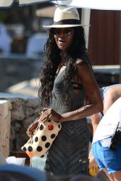 Kate Moss & Naomi Campbell Bikini Candids  - Beach in Ibiza - June 2014