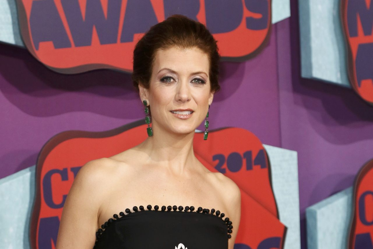 Kate Walsh Wearing Naeem Khan Gown – 2014 CMT Music Awards in Nashville