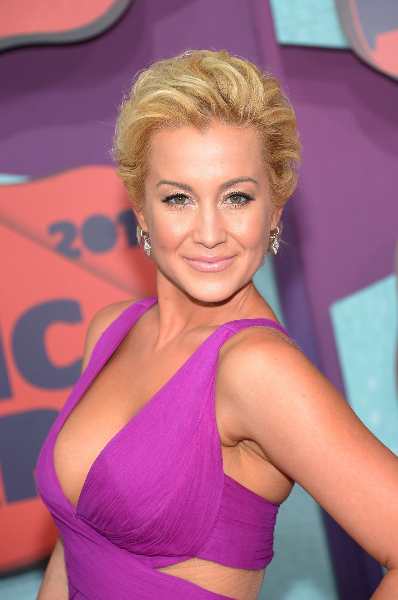 Kellie Pickler 2014 Cmt Music Awards In Nashville