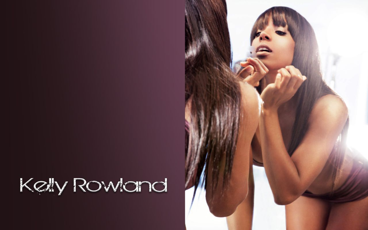 Kelly rowland gets sexy in ice