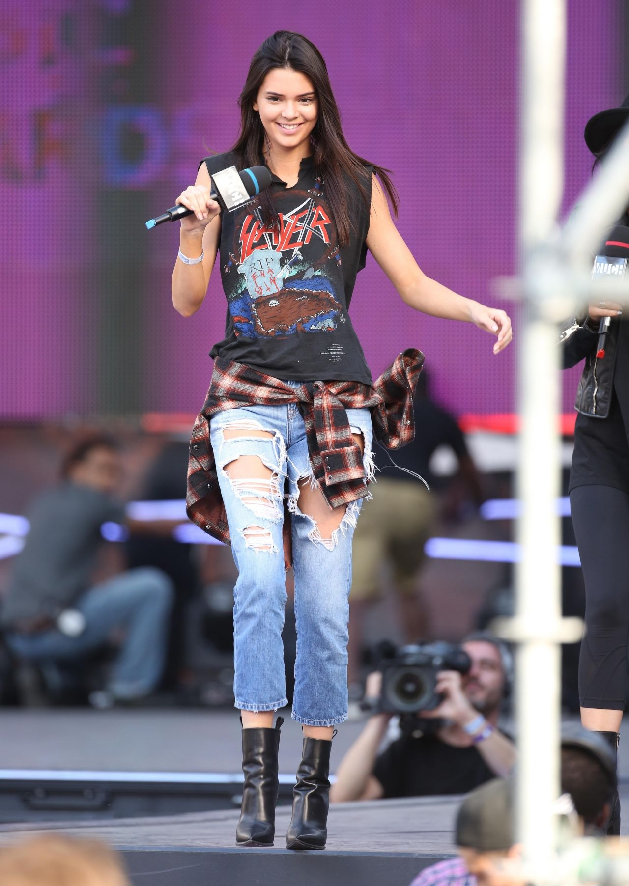 kendall jenner and kylie jenner � 2014 muchmusic video