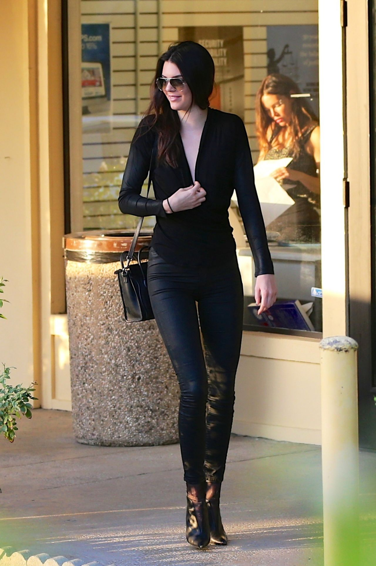 Kendall Jenner Casual Style Out In Los Angeles June 2014