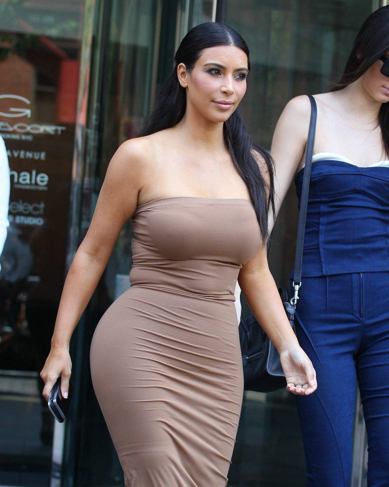 Kim kardashian tight dress