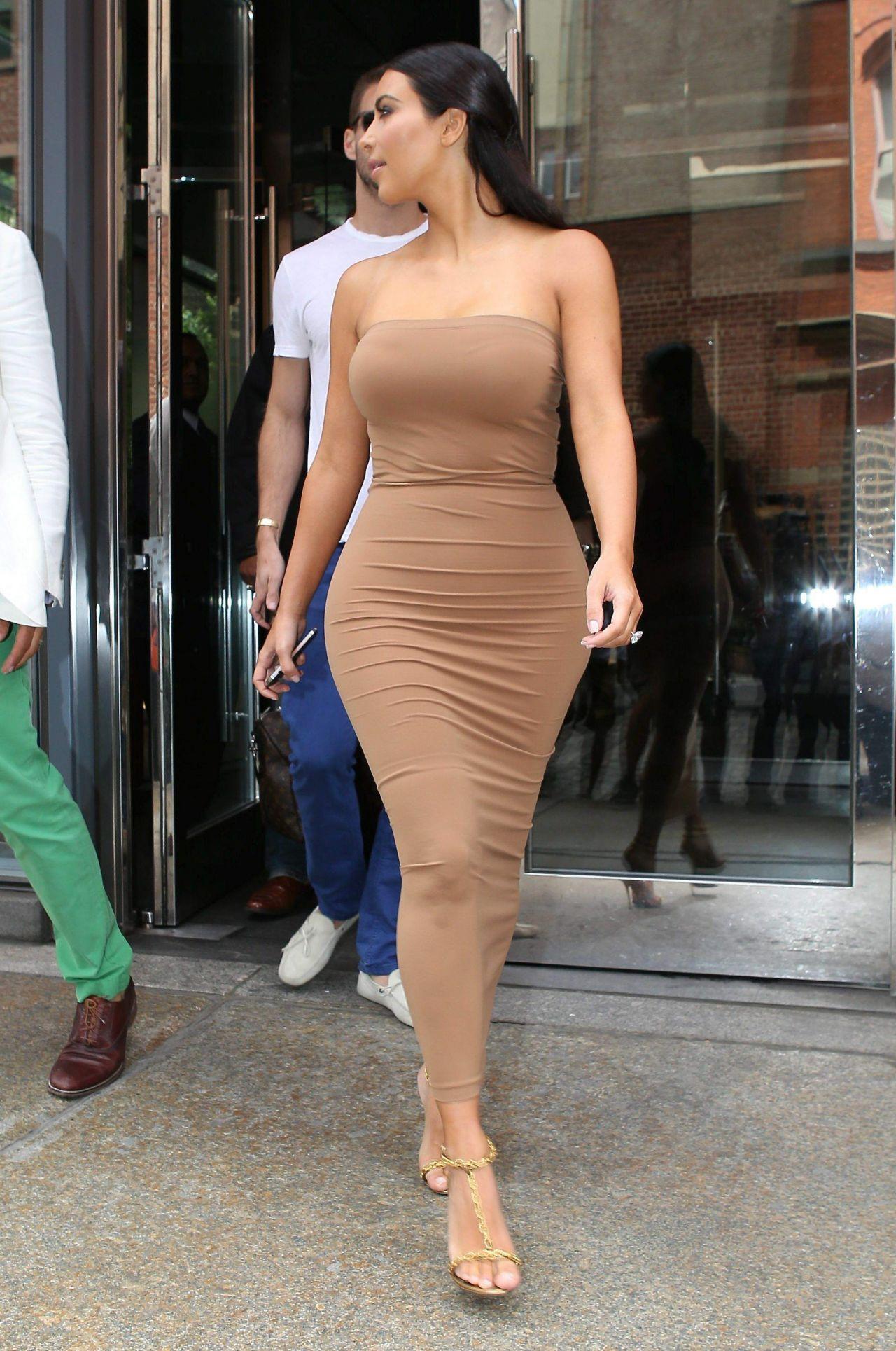 That kim kardashian tight dress can