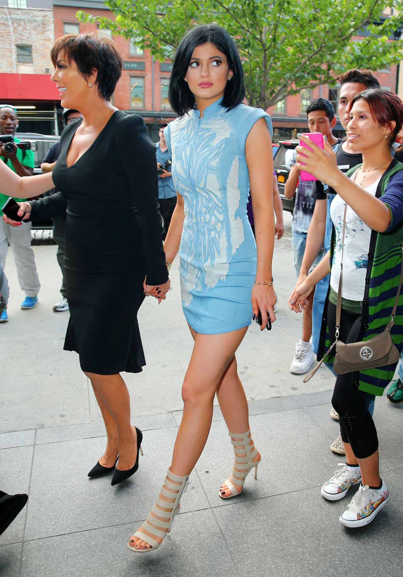 Watch Kylie jenner leaving her hotel in nyc video