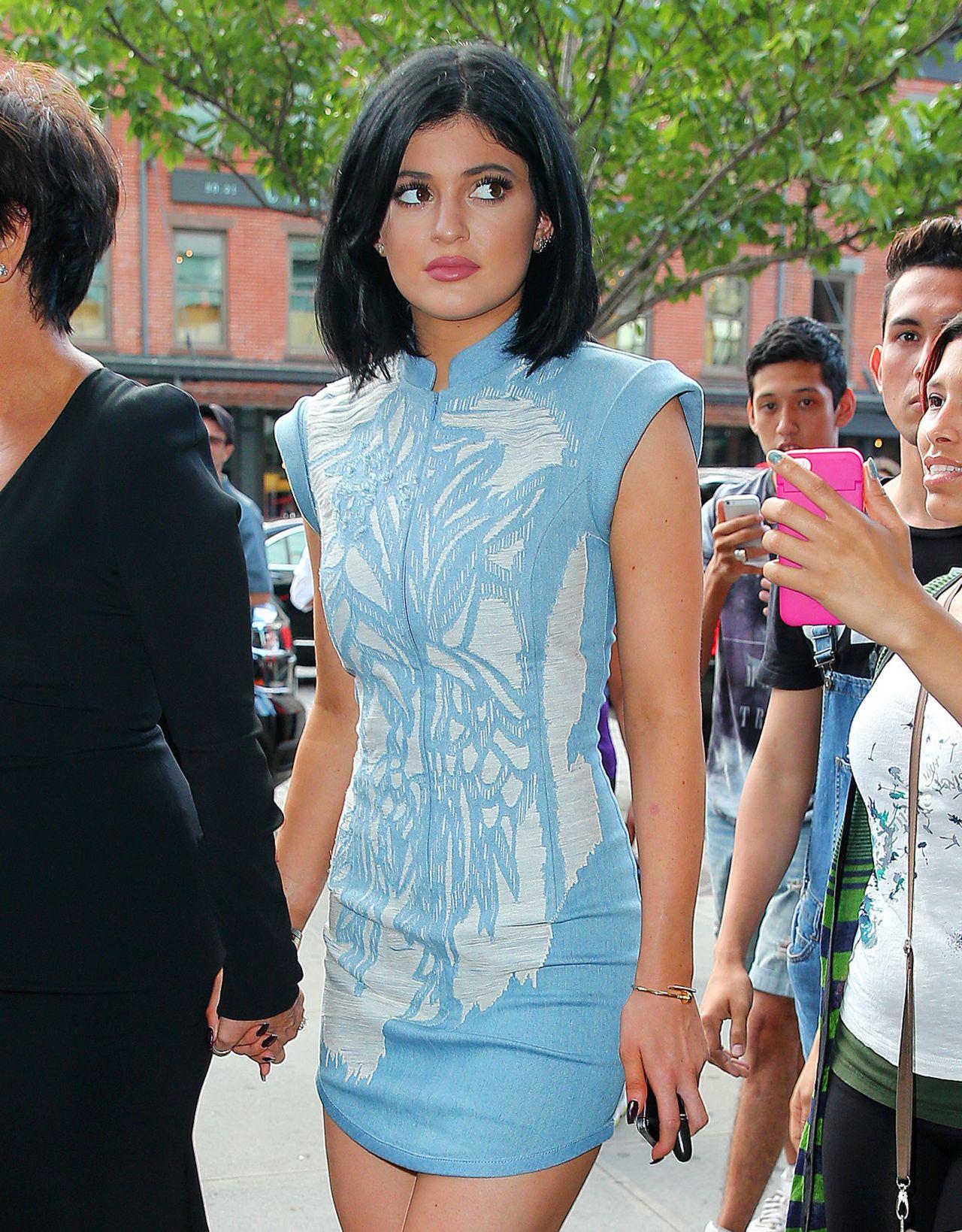New Kylie Summer Lip Kit Swatches On Dark Skin: Leaving Her Hotel In New York