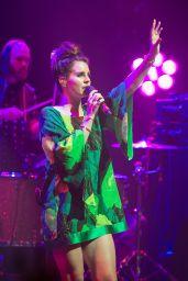 Lana Del Rey Performs at Fête La Musique à l
