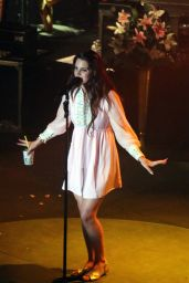 Lana Del Rey Performs at Shrine Auditorium & Expo Hall in Los Angeles - May 2014
