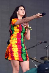 Lana del Rey - Performs on the Pyramid Stage - Glastonbury Festival - June 2014