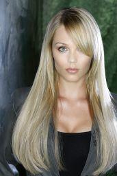 Laura Vandervoort –