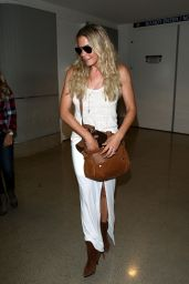 LeAnn Rimes - Arriving at LAX airport in Los Angeles - June 2014