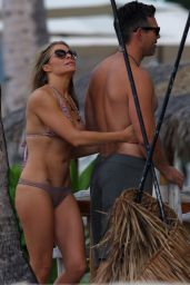 LeAnn Rimes Bikini Candids - Hawaii, June 2014