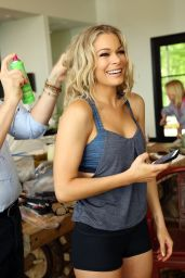 LeAnn Rimes Hair Style - Getting Dolled up at Home for the CMT Awards (2014)