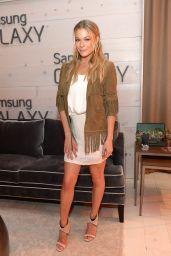 LeAnn Rimes in Samsung Galaxy Artist Lounge, 2014 CMA Music Festival in Nashville