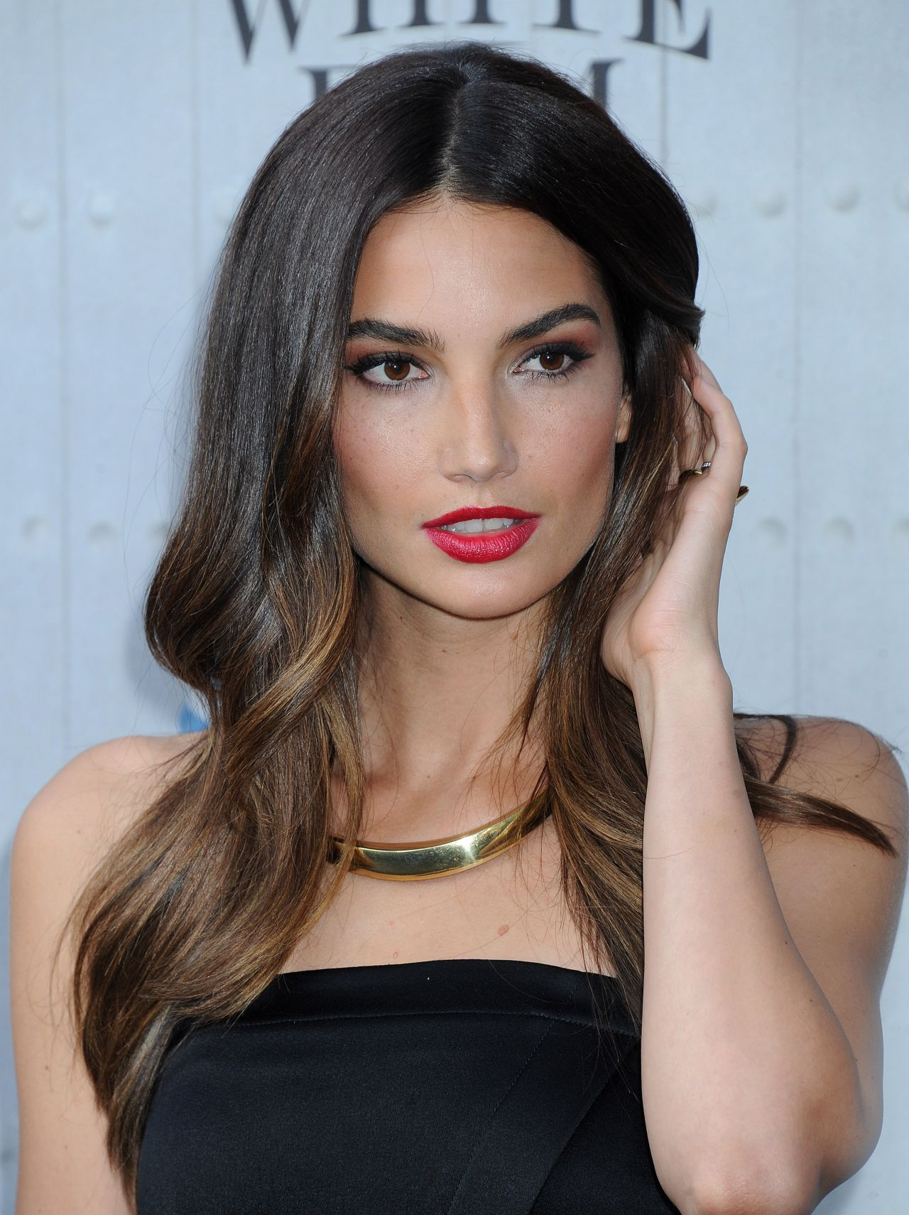 http://celebmafia.com/wp-content/uploads/2014/06/lily-aldridge-2014-spike-tv-s-guys-choice-awards_8.jpg