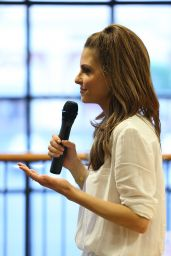 Maria Menounos - Book Signing in Huntington Beach - June 2014