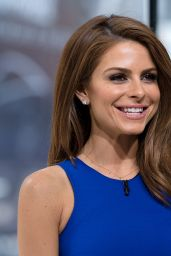 Maria Menounos - Hosts Extra at H&M in New York City - June 2014