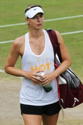 maria-sharapova-at-practice-session-before-wimbledon-2014_6