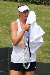 maria-sharapova-at-practice-session-before-wimbledon-2014_7
