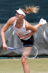 maria-sharapova-at-practice-session-before-wimbledon-2014_8