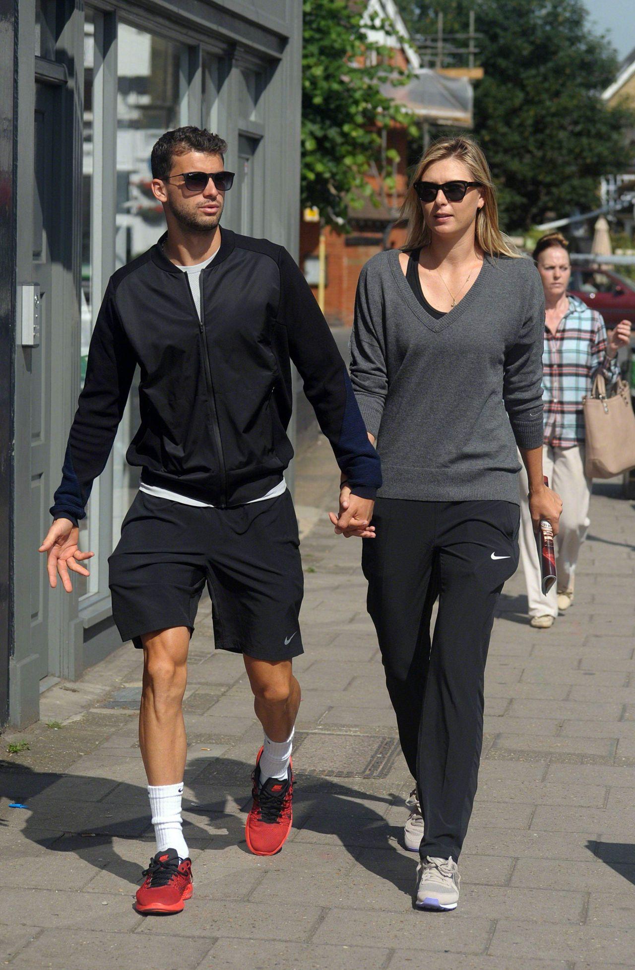 Maria Sharapova Boyfriend Kiss Maria Sharapova Holds ...