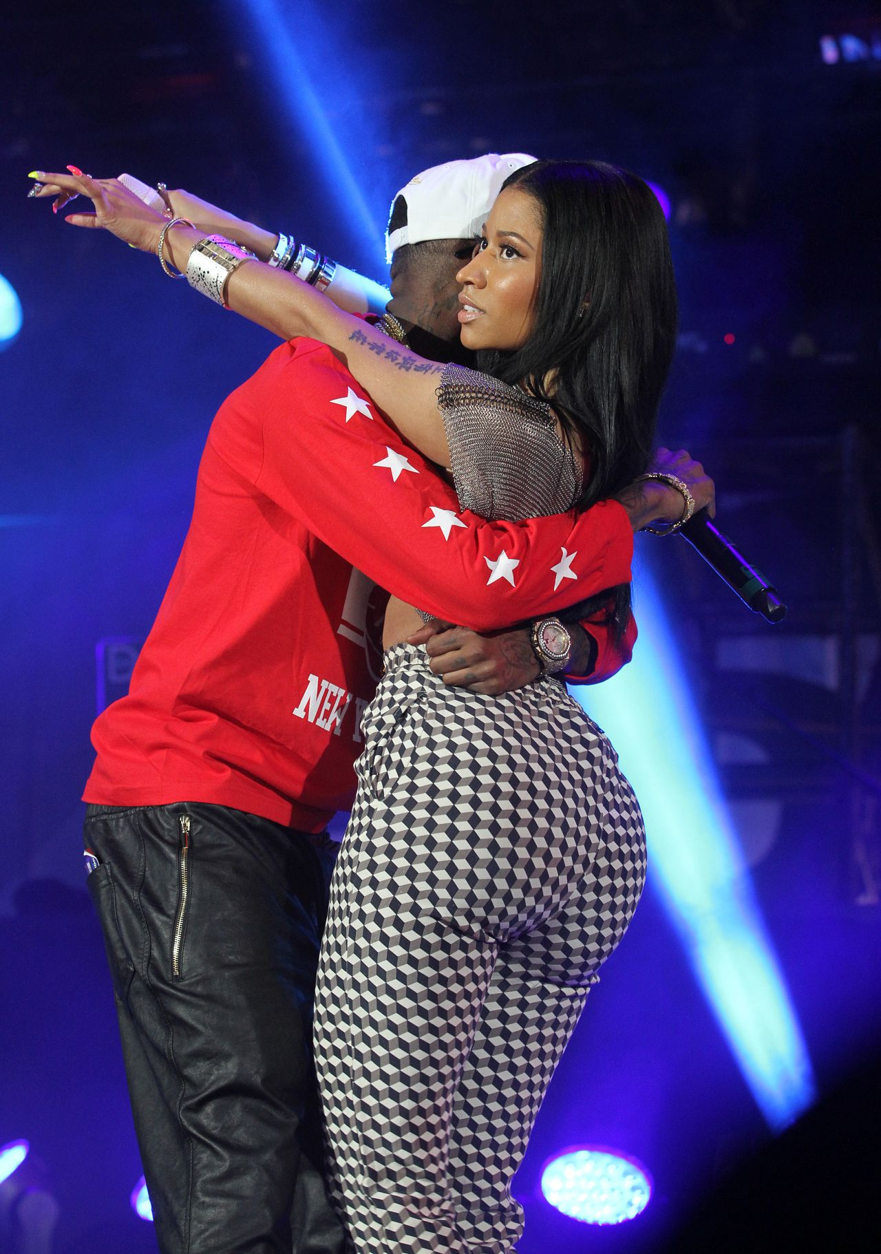 Nicki Minaj And Drake Performs At Hot 97 Summer Jam In New -8902