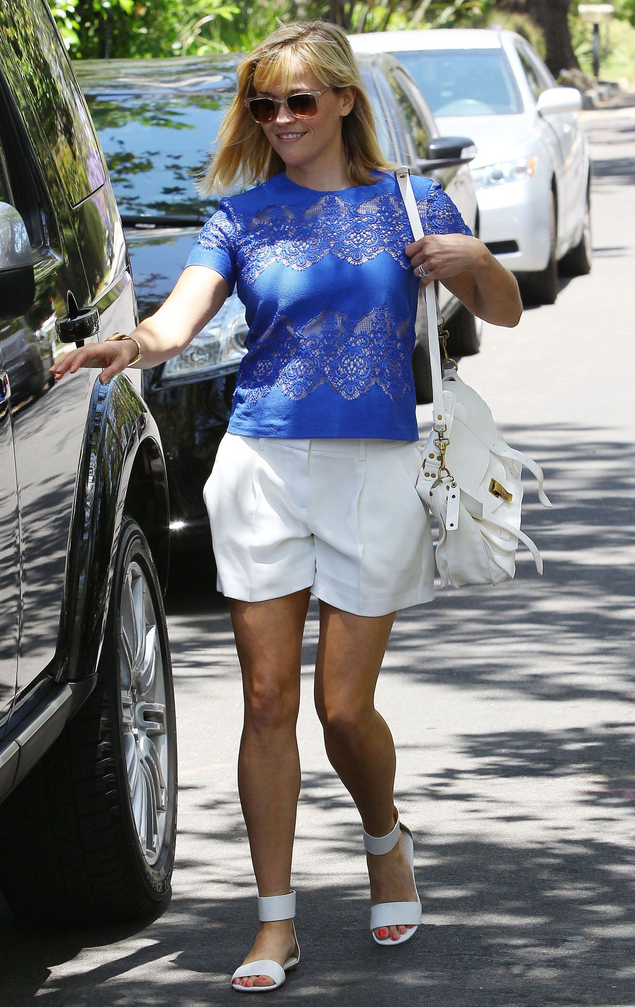 Reese Witherspoon In Shorts Out In Los Angeles June 2014